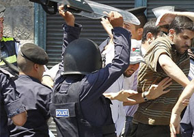 Jordan Police Beat Up 9 Innocent Journalists