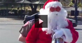"""Santa Claus Arrested For Writing """"Love"""""""