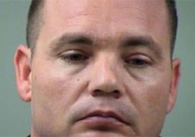 Texas Cop Rapes a 19-Year-Old Girl